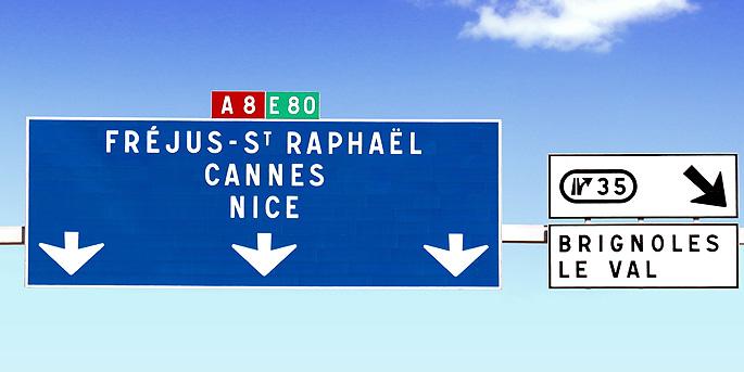 radio vinci autoroutes 107 7 fm les panneaux de signalisation directionnelle. Black Bedroom Furniture Sets. Home Design Ideas